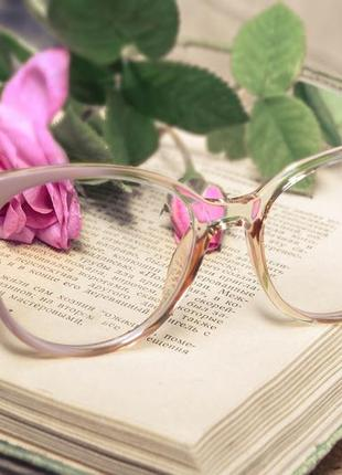 Имиджевые очки с прозрачными стеклянными линзами