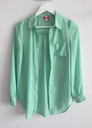 Подовжена блуза яскравого кольору 💚