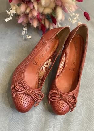 Кожаные туфли в стиле zara clarks marko tozzi