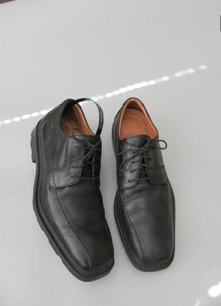 Мужские кожаные туфли дерби. clarks оригинал.
