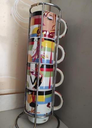Набор чашек на металлической подставке
