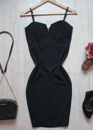 Маленькое черное платье от cameo rose