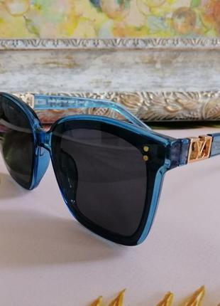 Стильные прозрачные голубые солнезащитные женские очки 2021