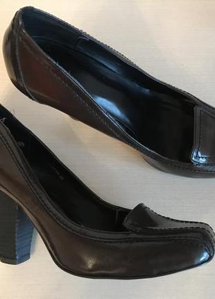 Крутые коричневые лаковые туфли insolia limited collection marks&spencer