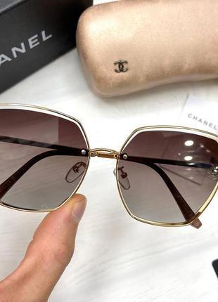 Стильные модные очки женские солнцезащитные на среднее лицо