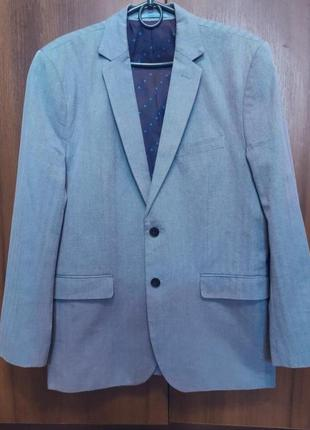 Красивый котоновый пиджак бренда casual friday
