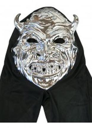 Маска дьявола с черным капюшоном хэллоуин