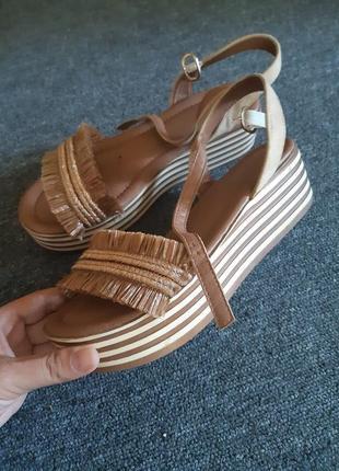 Босоножки,сандали на танкетке