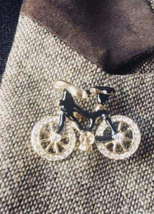 Эффектная брошь велосипед
