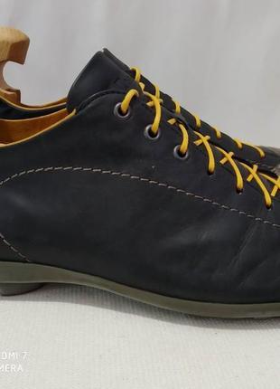 Кожание кроссовки, туфли think!