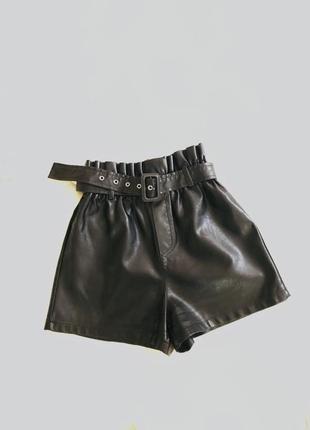 Шортики кожаные