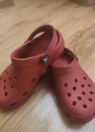 Шлёпанцы фирмы crocs, размер 31.