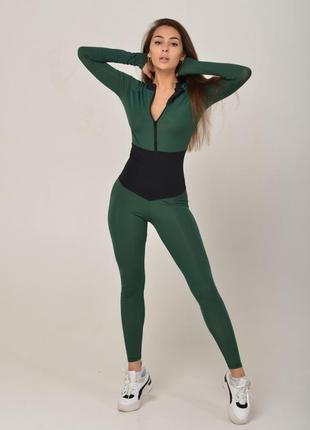 Утягивающий спортивный комбинезон зеленый с черным