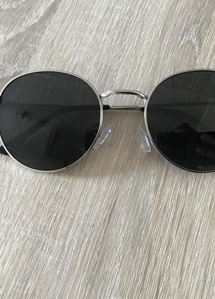 Круглые солнцезащитные очки черные/серебро поляризация