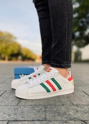 В наличии! превосходные кроссовки !