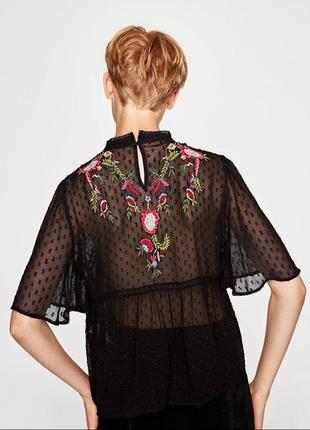 Блуза с вышивкой , плюмети