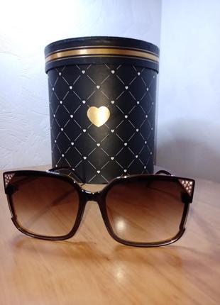 Стильные солнцезащитные очки распродажа !!!!