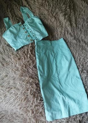 Классный костюм топ и юбка
