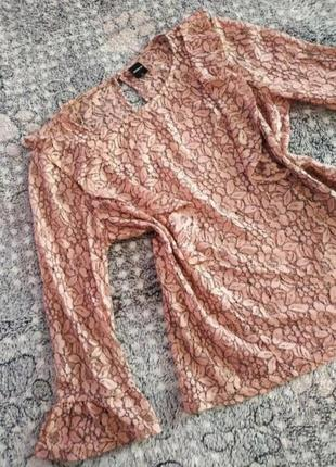 Блузка ажурна з рукавом-воланом