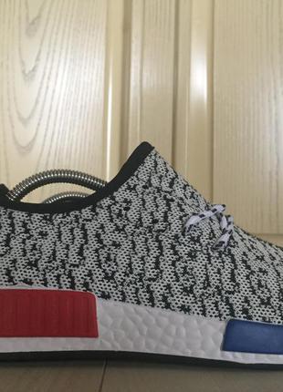 Продам спортивные кроссовки adidas yeezy boost 42р