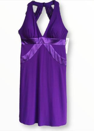 Нарядное коктейльное платье с открытой спинкой