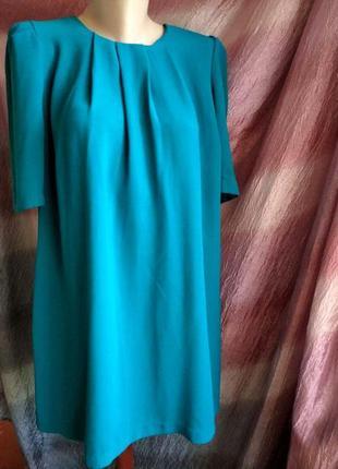 Платье футляр изумрудного цвета