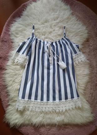 Котоновая блуза футболка с открытыми плечами
