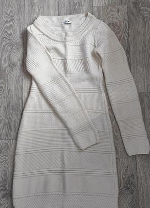 Теплое, вязаное платье lacoste