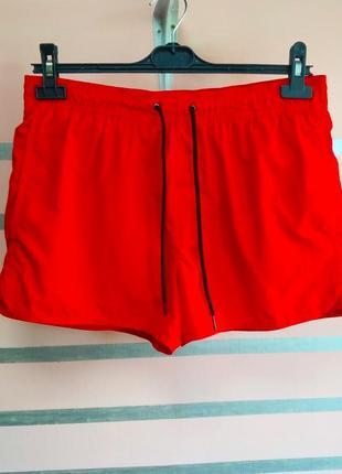 Яркие красные пляжные шорты h&m
