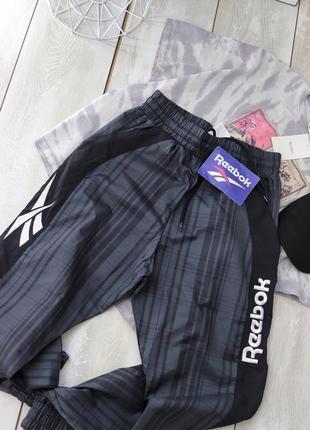 Спортивные штаны джоггеры reebok3 фото