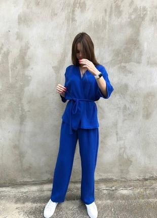 Муслиновый синий костюм жакет и штаны.