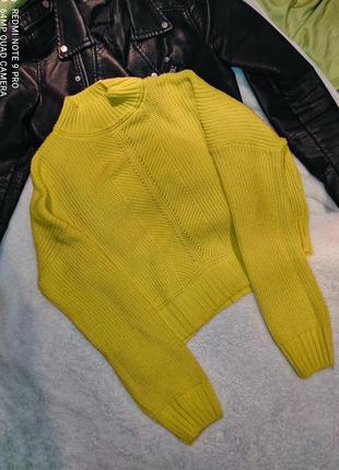Яркий укороченный свитер lola skye