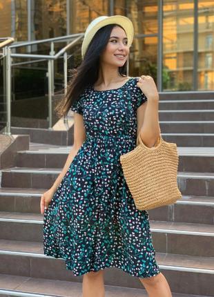 Платье короткое выше колена