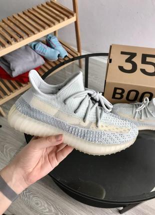 Женские кроссовки adidas yeezy boost 350 v2 grey