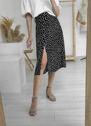 Легкая летняя юбка штапель черная с принтом