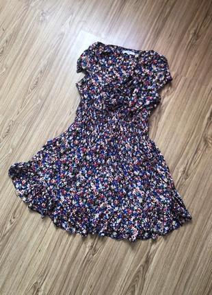 Красиве літнє платтячко у квіточки