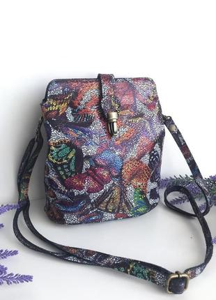 Небольшая сумка кожаная клатч на плечо или кроссбоди синяя блестящая черная в цветах