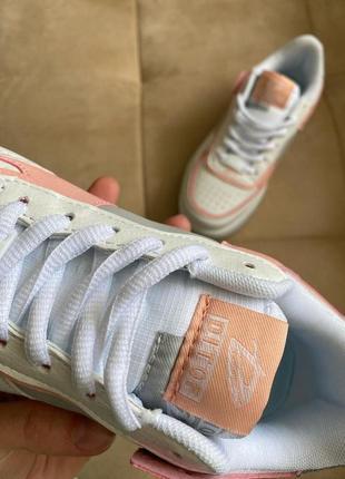 Новые белые кроссовки в стиле nike6 фото