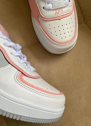 Новые белые кроссовки в стиле nike7 фото