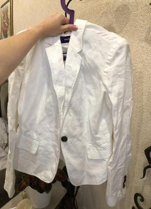 Білий піджак на літо mexx