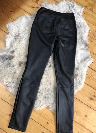 Штаны кожаные чёрные по фигуре скинни asos фирменные