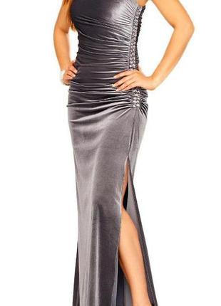 Бархатное платье-футляр миди