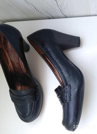 Класстческая модель туфли кларкс натуральная кожа устойчивый средний каблук clarks clark's