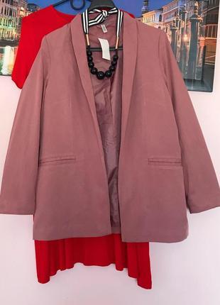 Пиджак крутого цвета