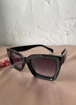 Очки бабочки трендові стильні модні окуляри 2021 жіночі чорні фіолетова лінза