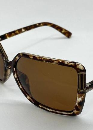 Женские солнцезащитные очки квадраты с поляризацией коричневые в пятнистой оправе