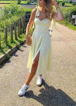 Шикарное, легкое платье