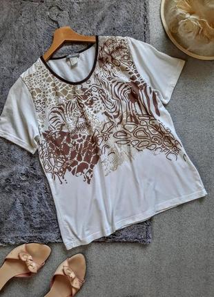 Базовая легкая белая футболка