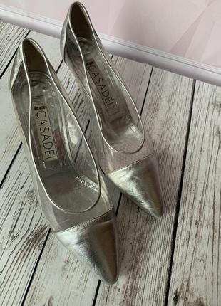 Светлые легкие туфли лодочки, casadei италия