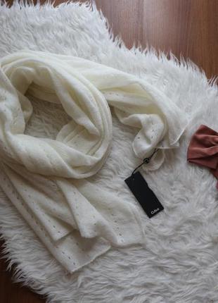 Нежный длинный шарф
